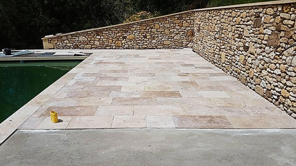 Création terrasse en pierre A à Z Revêtements