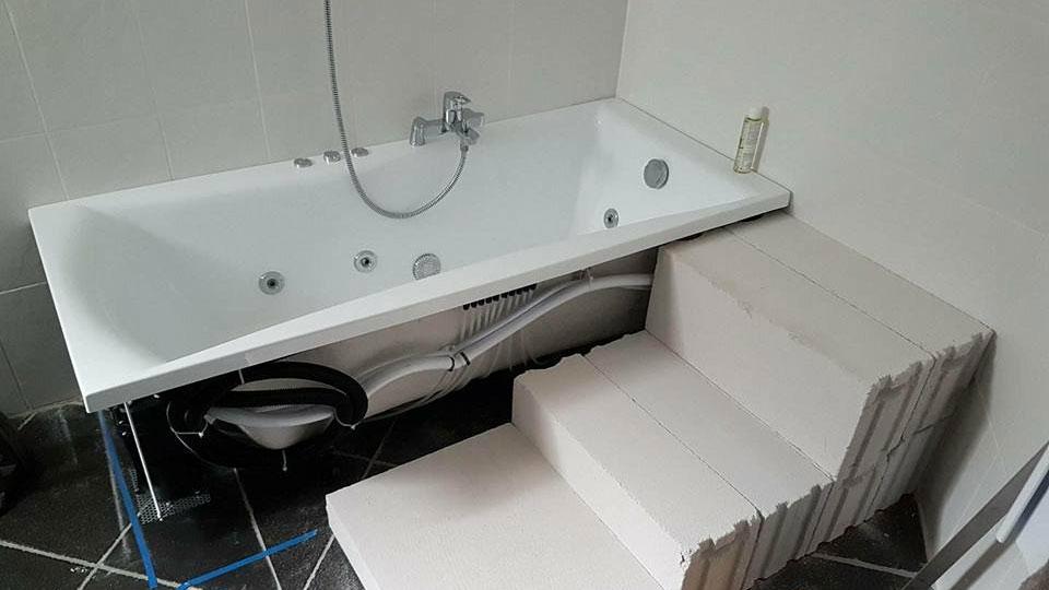 Rénovation d'un habillage de baignoire A à Z Revêtements